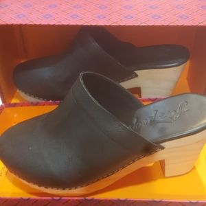 New Free People wood clogs